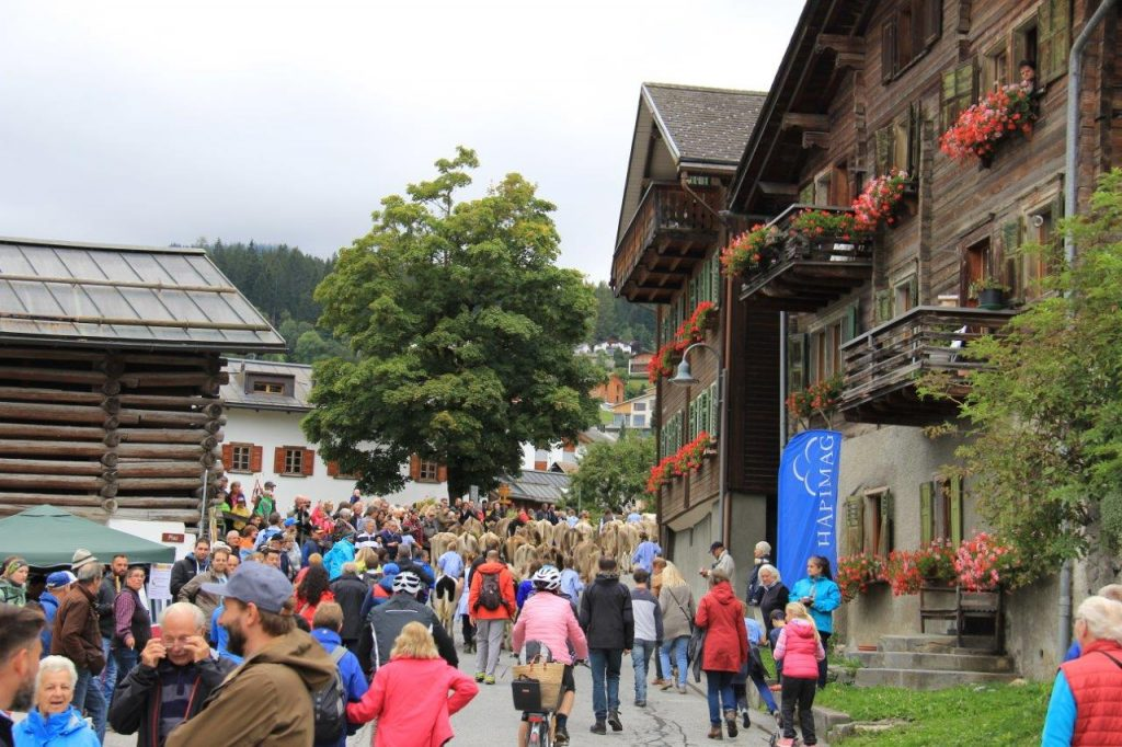 Through Town Alp Abzug