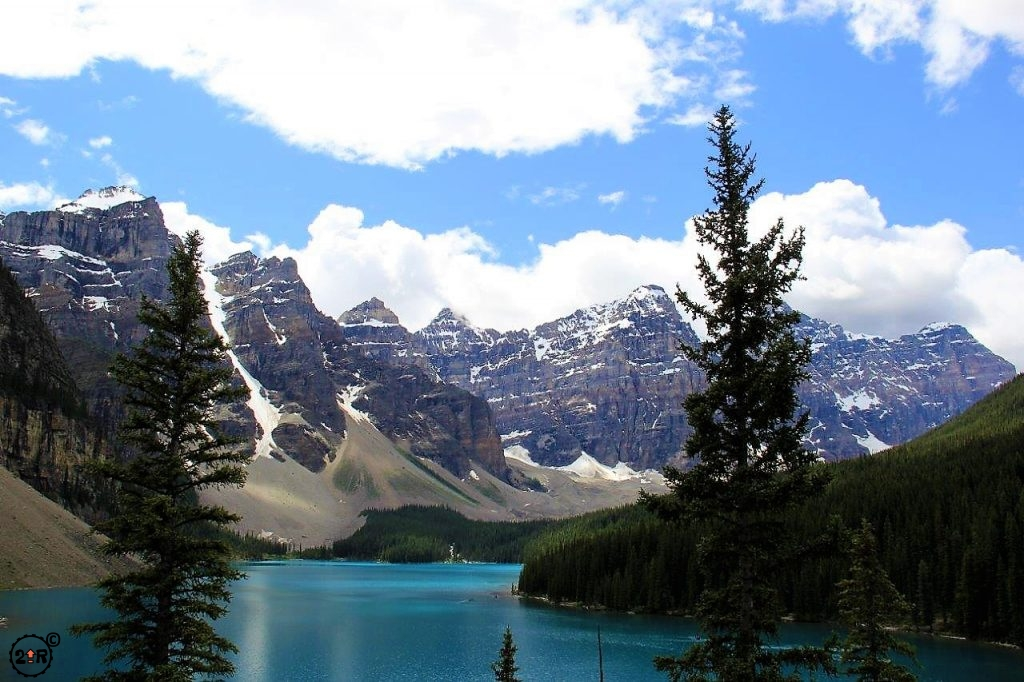Sublime views of Moraine Lake