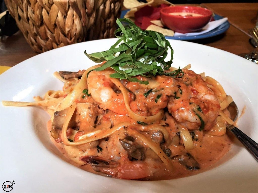 shrimp fettuccine in a pink sauce